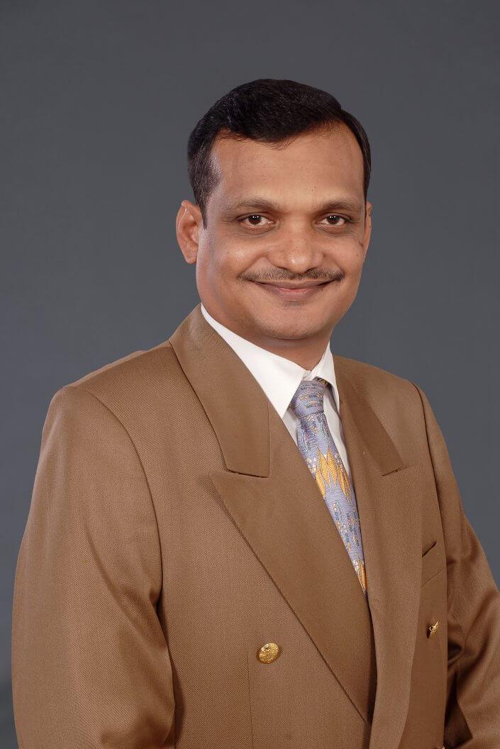 Vishy Vallamkonda, Vice-président, ingénierie